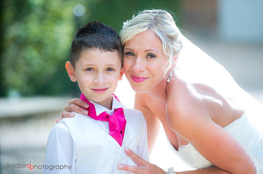 bury_court_bentley_wedding_photographers