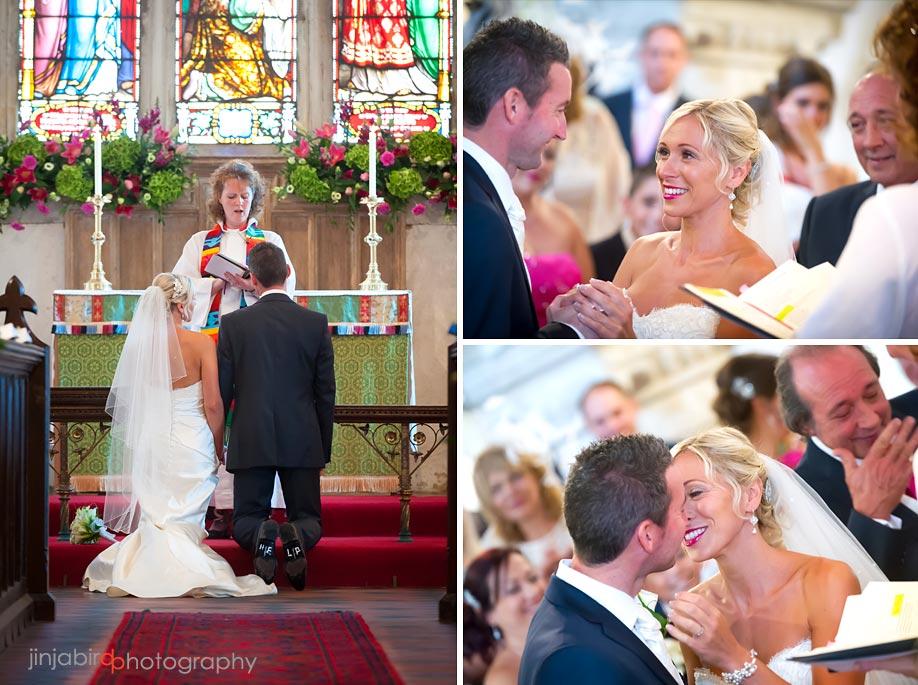 wedding_photos_in_holy_cross_church_binstead