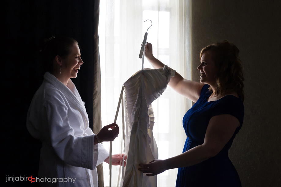 bride_getting_ready_in_the_swan_hotel_bedford