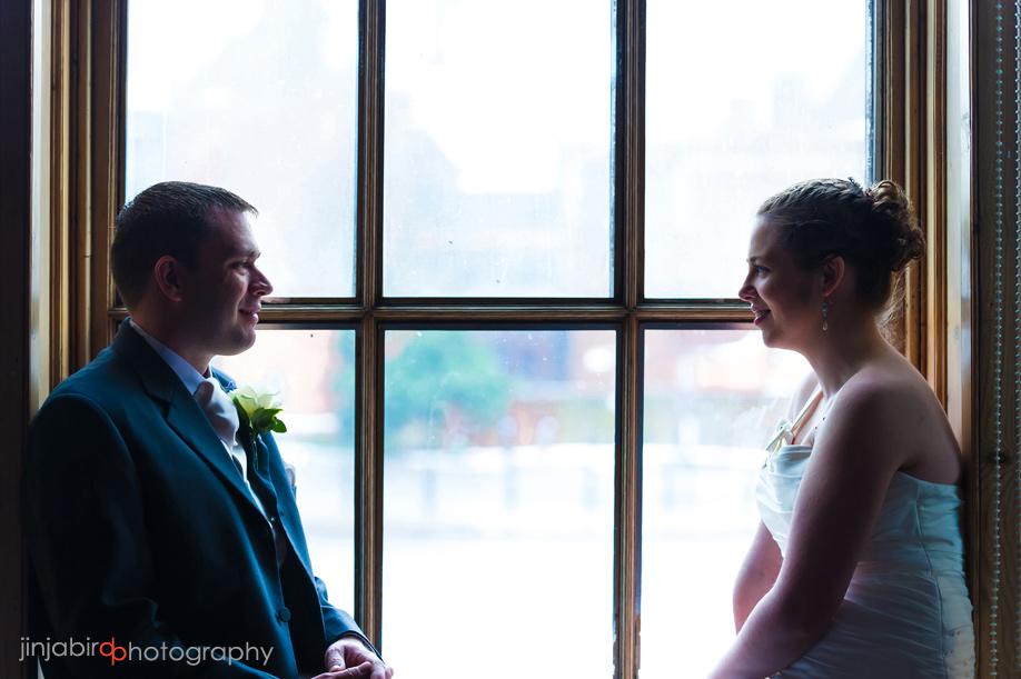wedding_photos_of_bride_and_groom_swan_hotel_bedford