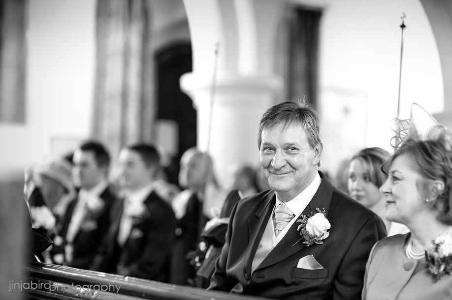 all_saints_church_in_hartford_wedding_photographers