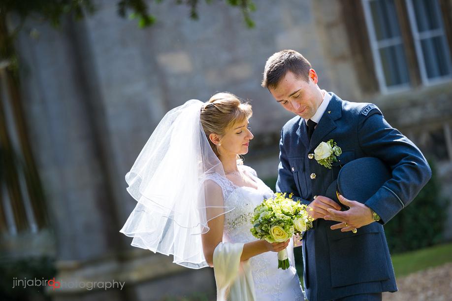 wedding_photos_bride_and_groom_hinchingbrooke_house