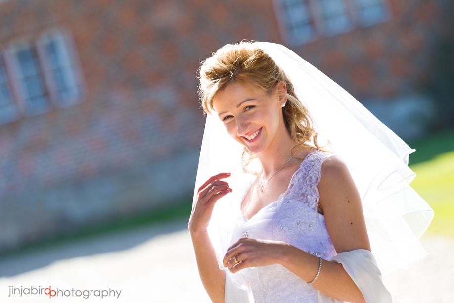 wedding_photos_of_bride_at_hinchingbrooke_house