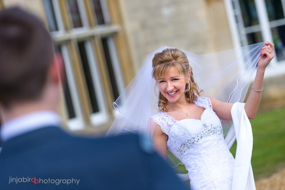 wedding_photos_of_bride_hinchingbrooke_house