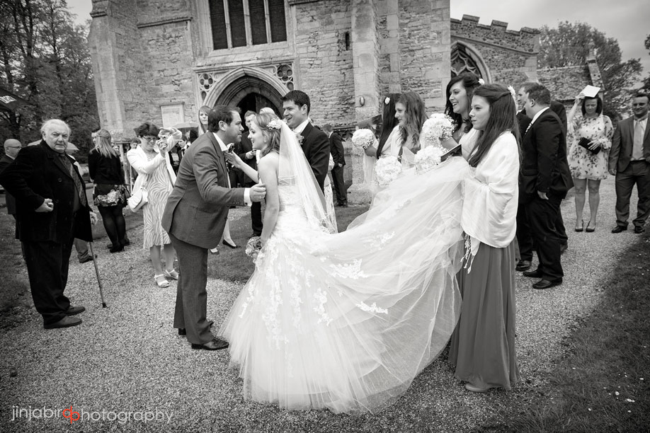 bride_and_bridesmaids_st_neots