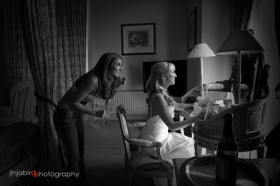bride_getting_ready_fawsley_hall