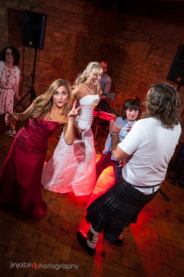 wedding_guests_dancing_fawsley_hall