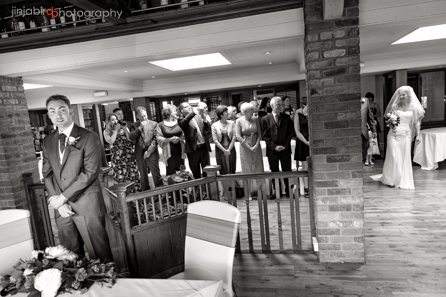 wedding_ceremony_barns_hotel