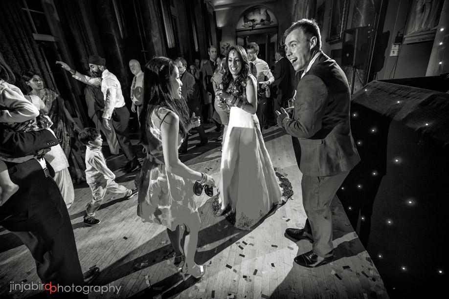 sculpture_gallery_wedding_disco