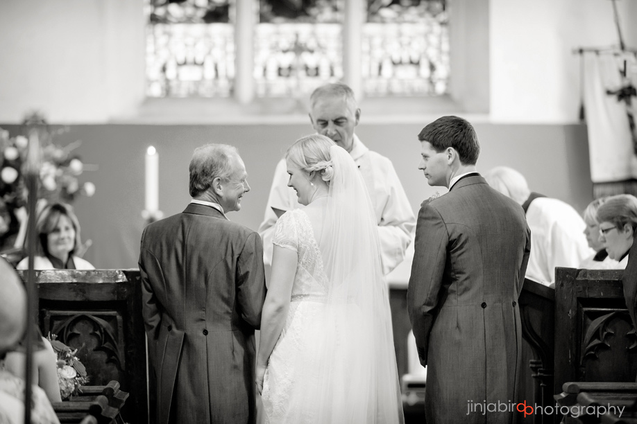 wedding_photographs_westoning_church