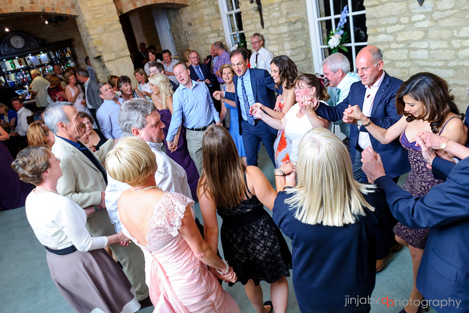hinwick_house_wedding_dancing