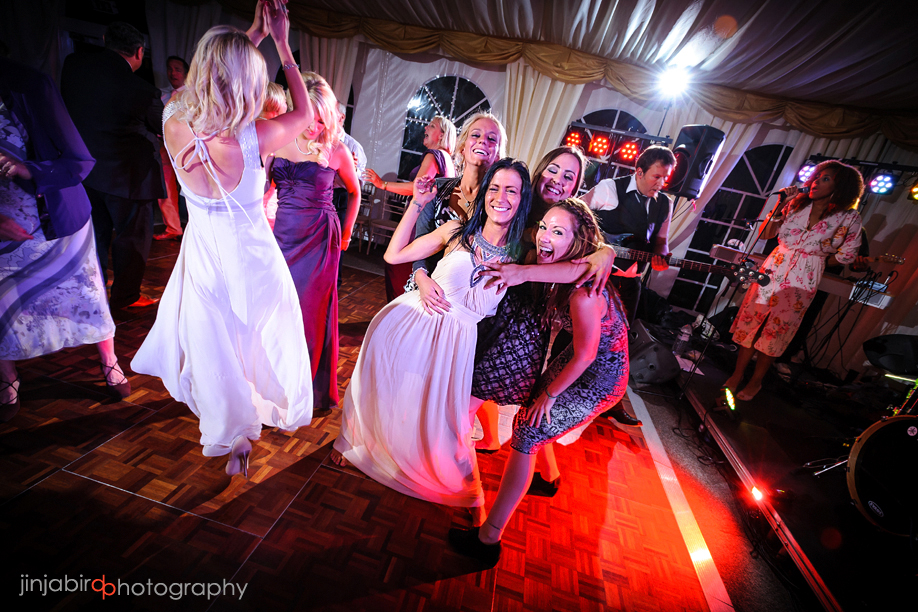 wedding_dancing_at_hinwick_house