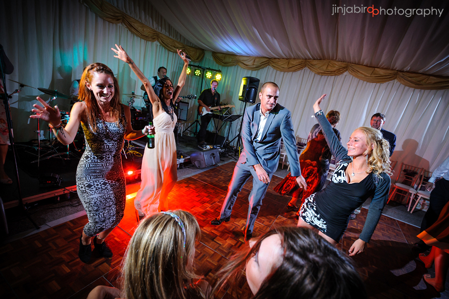 wedding_guests_dancing_hinwick_house
