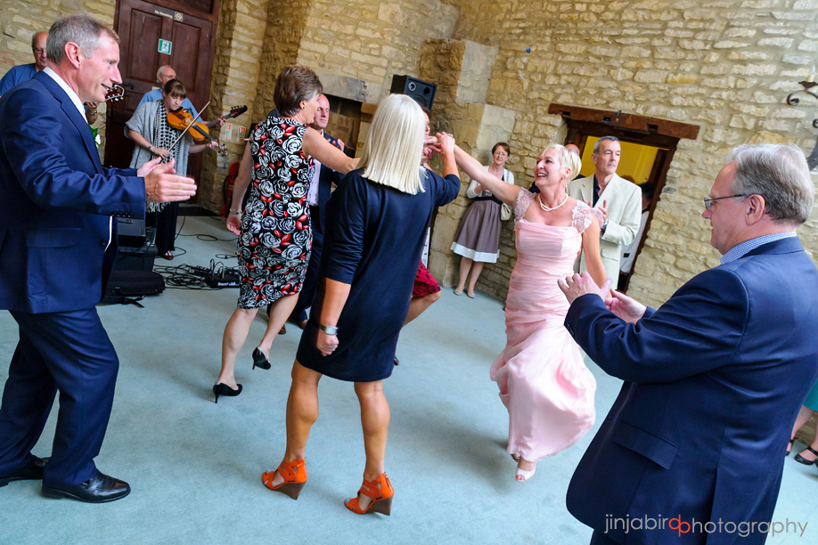 wedding_photo_dance_hinwick_house
