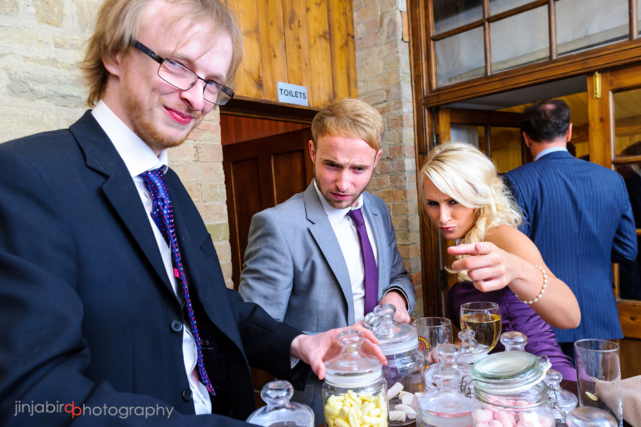 wedding_photo_fun_hinwick_house