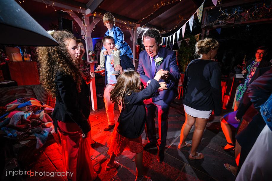 groom_dancing