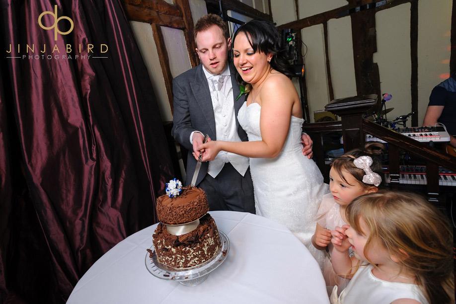 ut_wedding_cake_barns_hotel_bedford