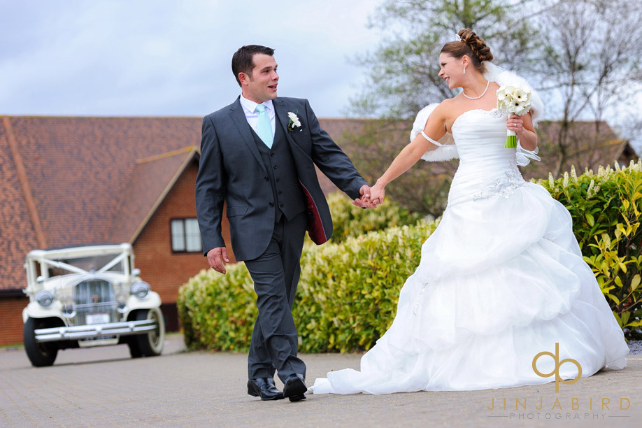 bride_groom_at_langdon_hills