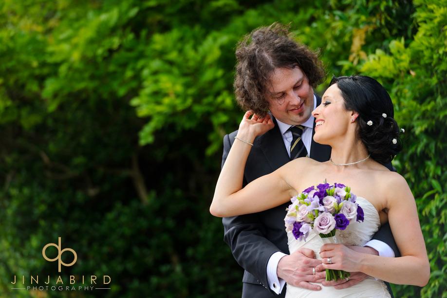bride_kissing_groom_henley