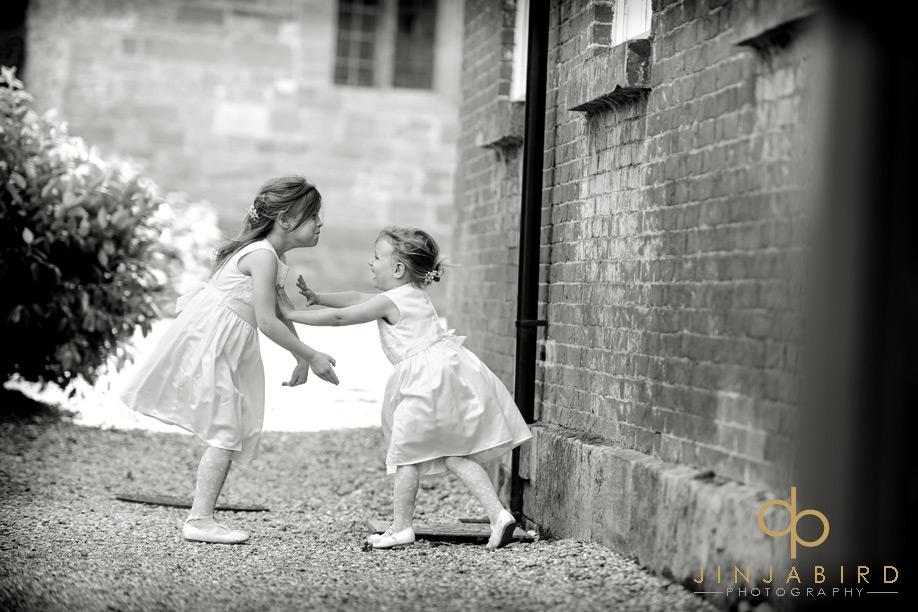 flowergirls_playing_fawsley_hall