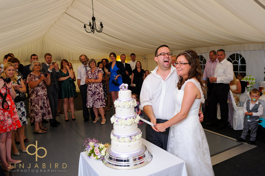 cutting_wedding_cake_moreteyne_manor