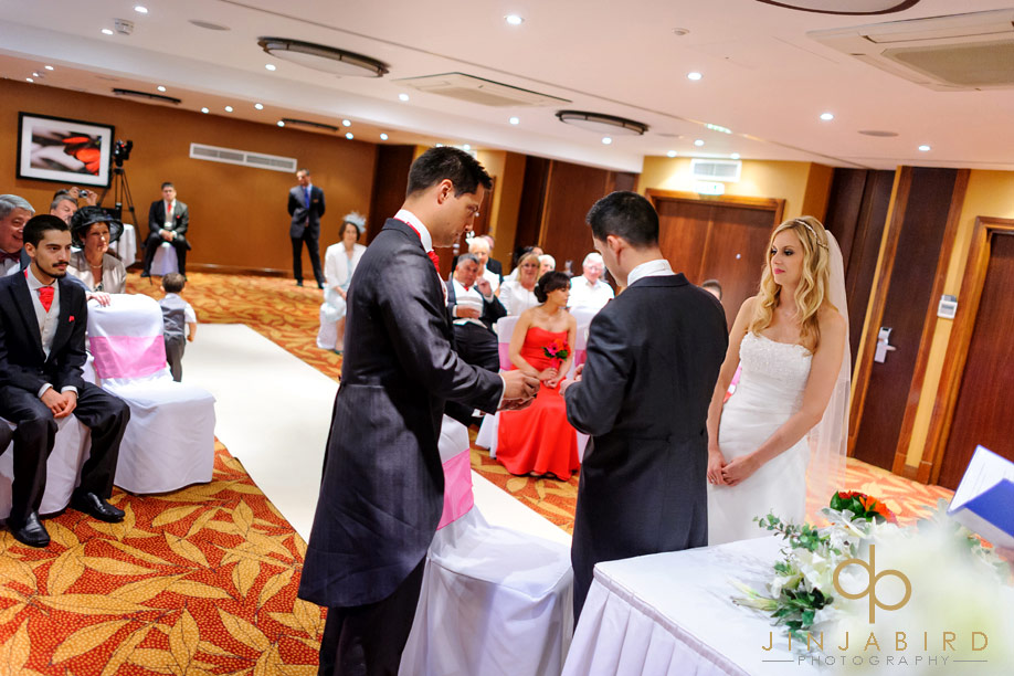 wedding_ceremony_bull_hotel_gerrards_cross