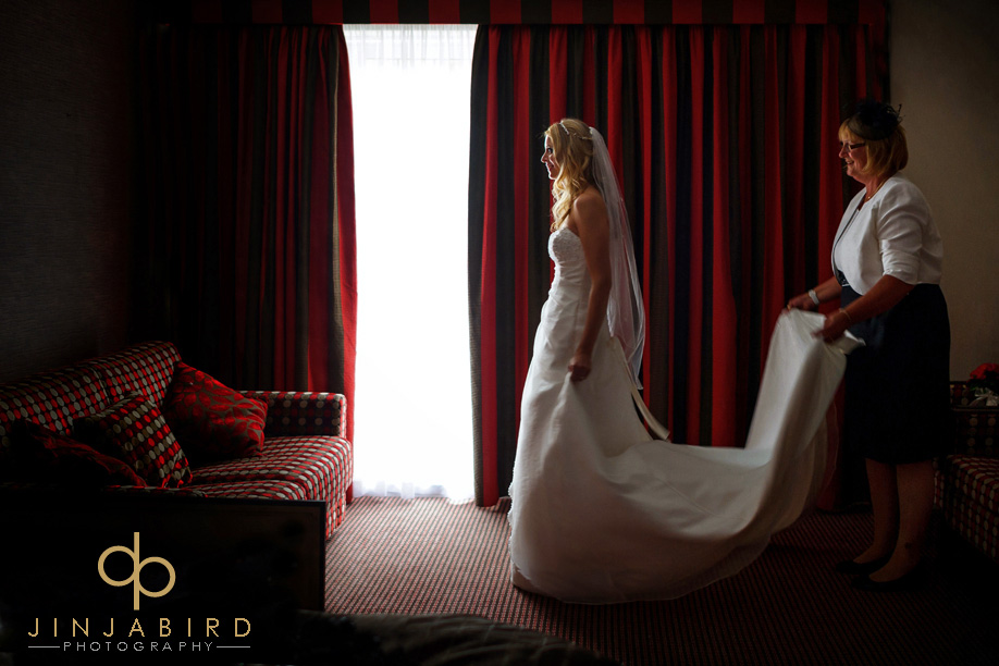 wedding_photographer_bull_hotel_gerrards_cross