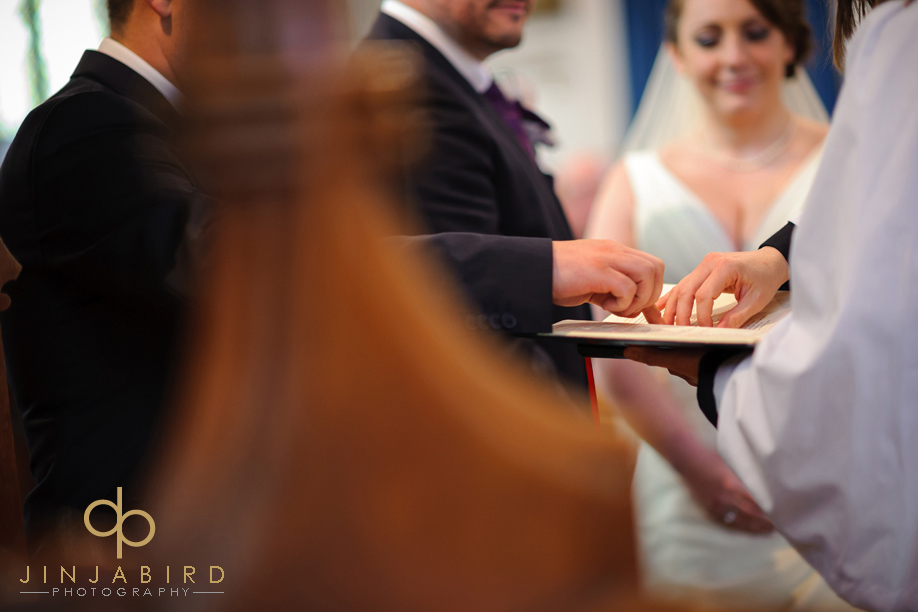 exchanging_rings_st_lawrences_church_willington