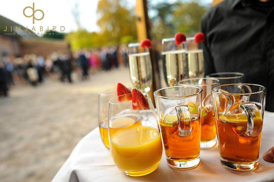 wedding_drinks_bassmead_manor_barns