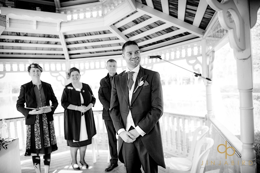 groom-at-alter-minstrel-court