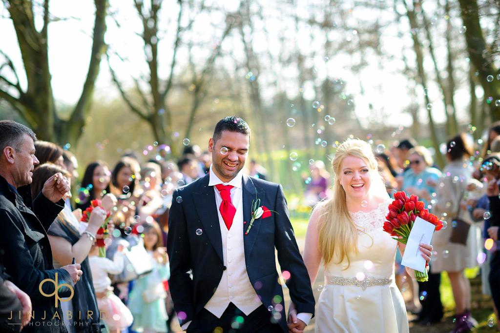 wedding-confetti-minstrel-court