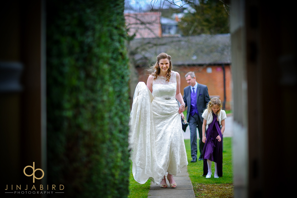 bride-arriving-hitchin-priory