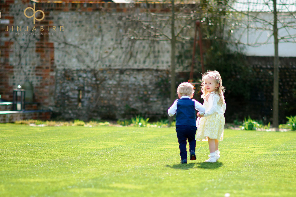pageboy-and-flowergirl-southend-barns