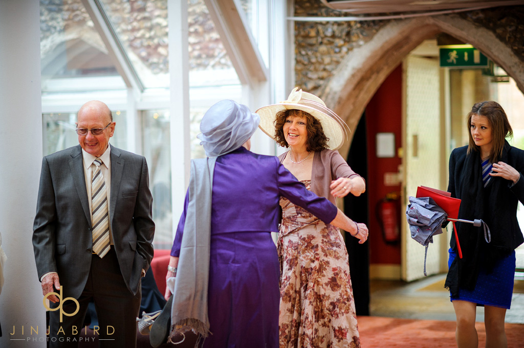 wedding-guests-hitchin-priory