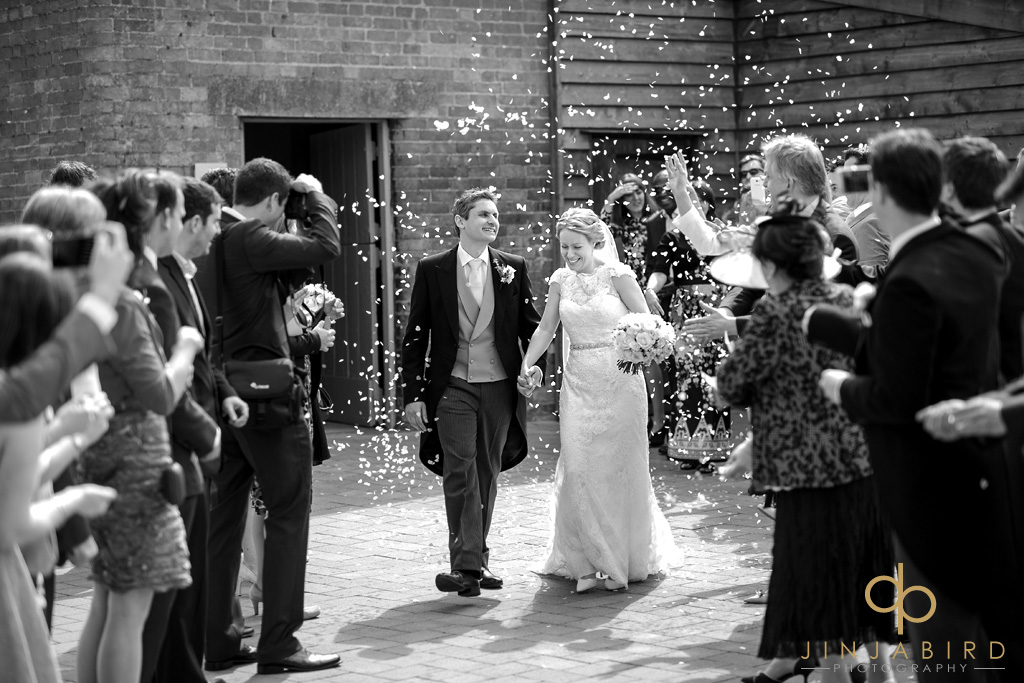 wedding-confeti-bassmead-manor-barns