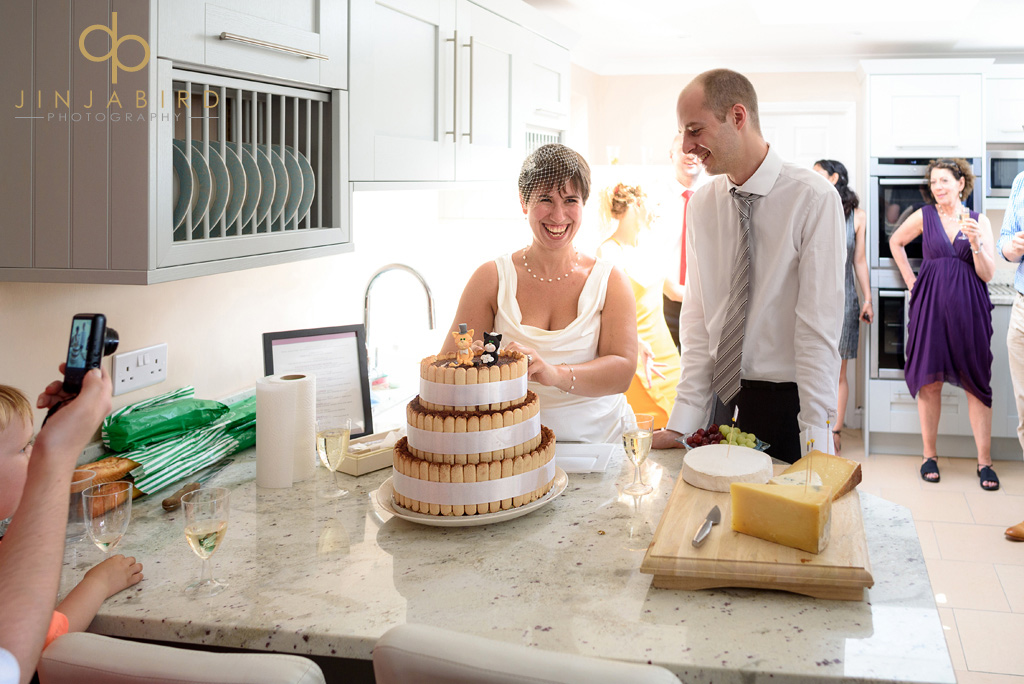 cutting-the-wedding-cake