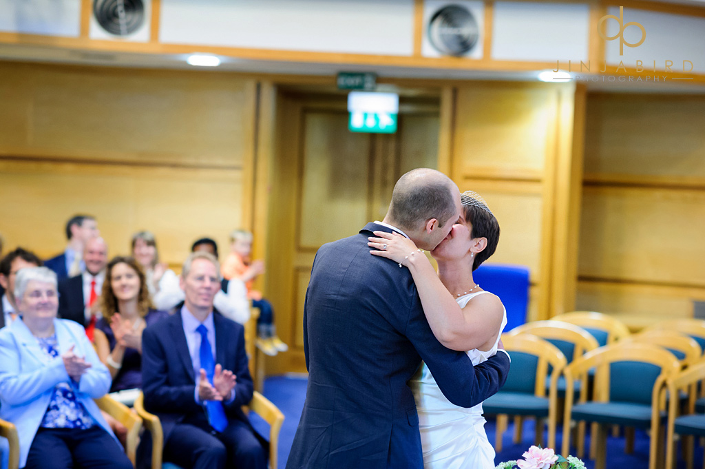 first-kiss-saffron-walden-registry-office