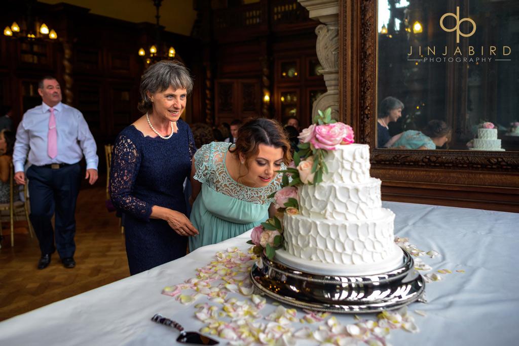 wedding-cake-burghley-house