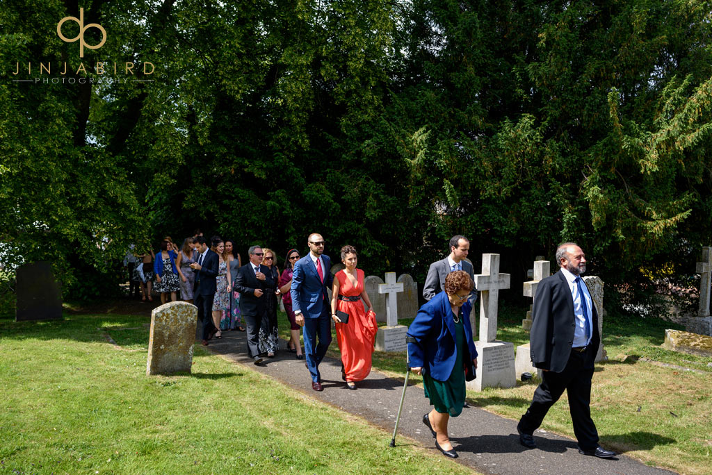 wedding-guests-at-stoke-rochford-church