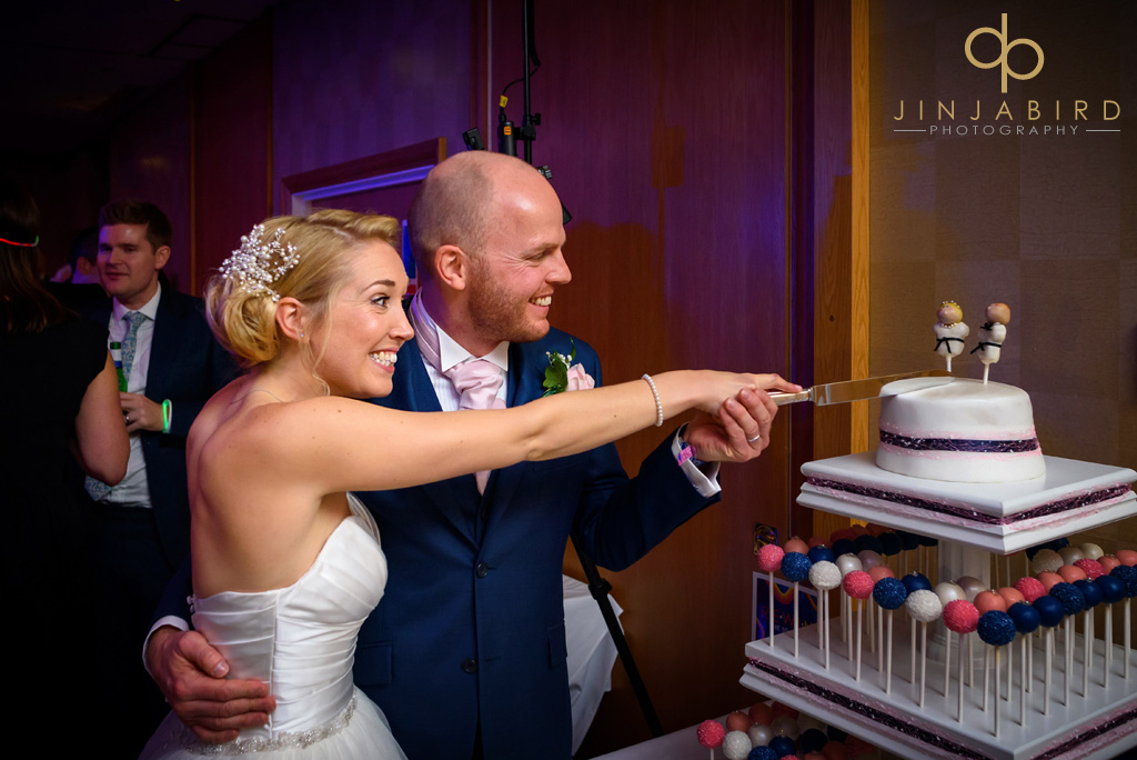 bull-hotel-gerrards-cross-cut-wedding-cake