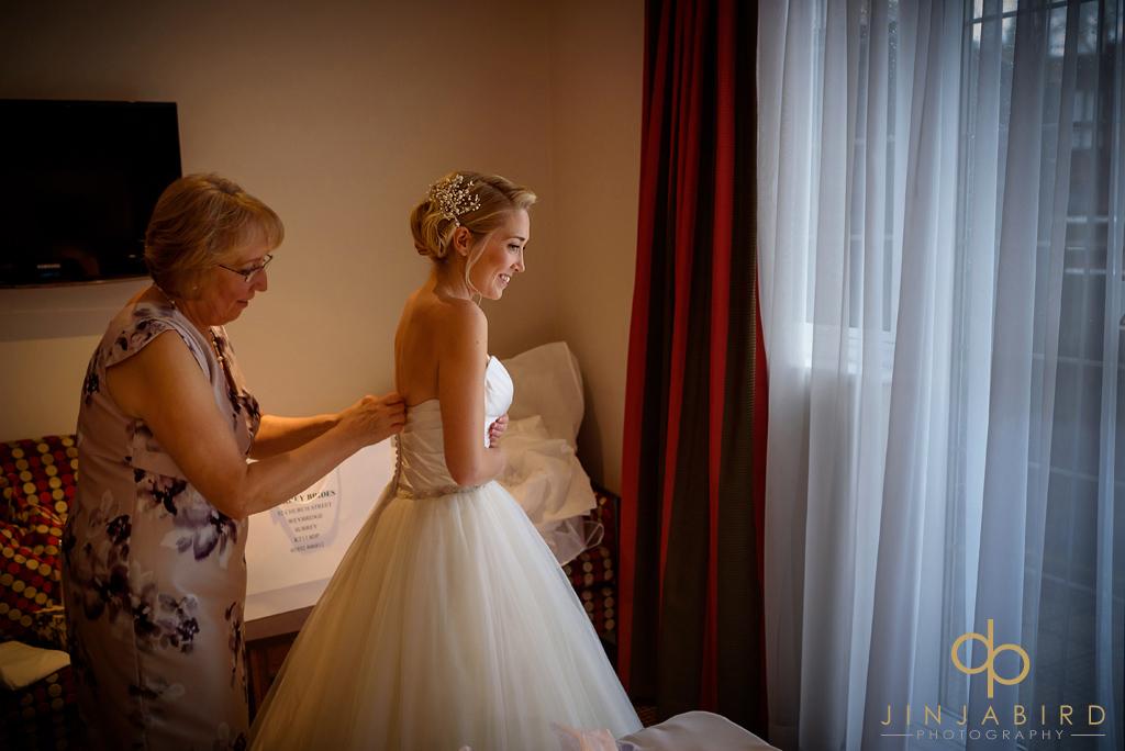 bull-hotel-gerrards-cross-wedding-photography