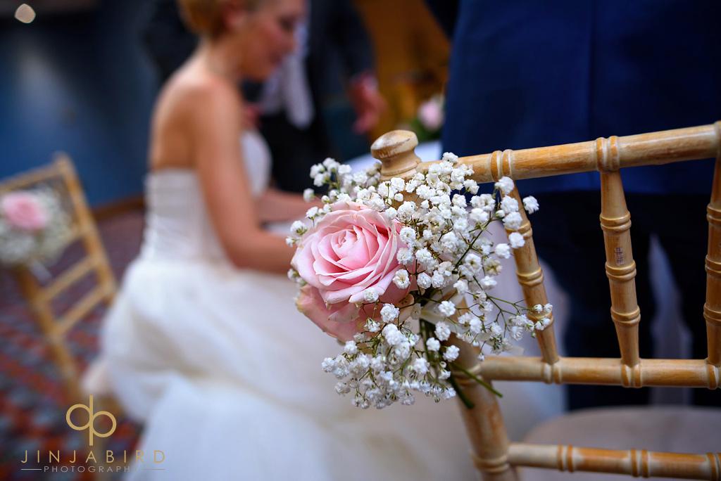 wedding-flowers-bull-hotel-gerrards-cross