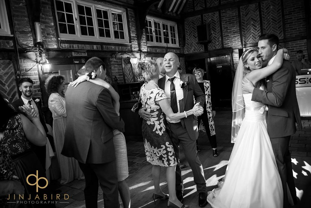 ye-olde-plough-house-bulphan-wedding-guests-dancing
