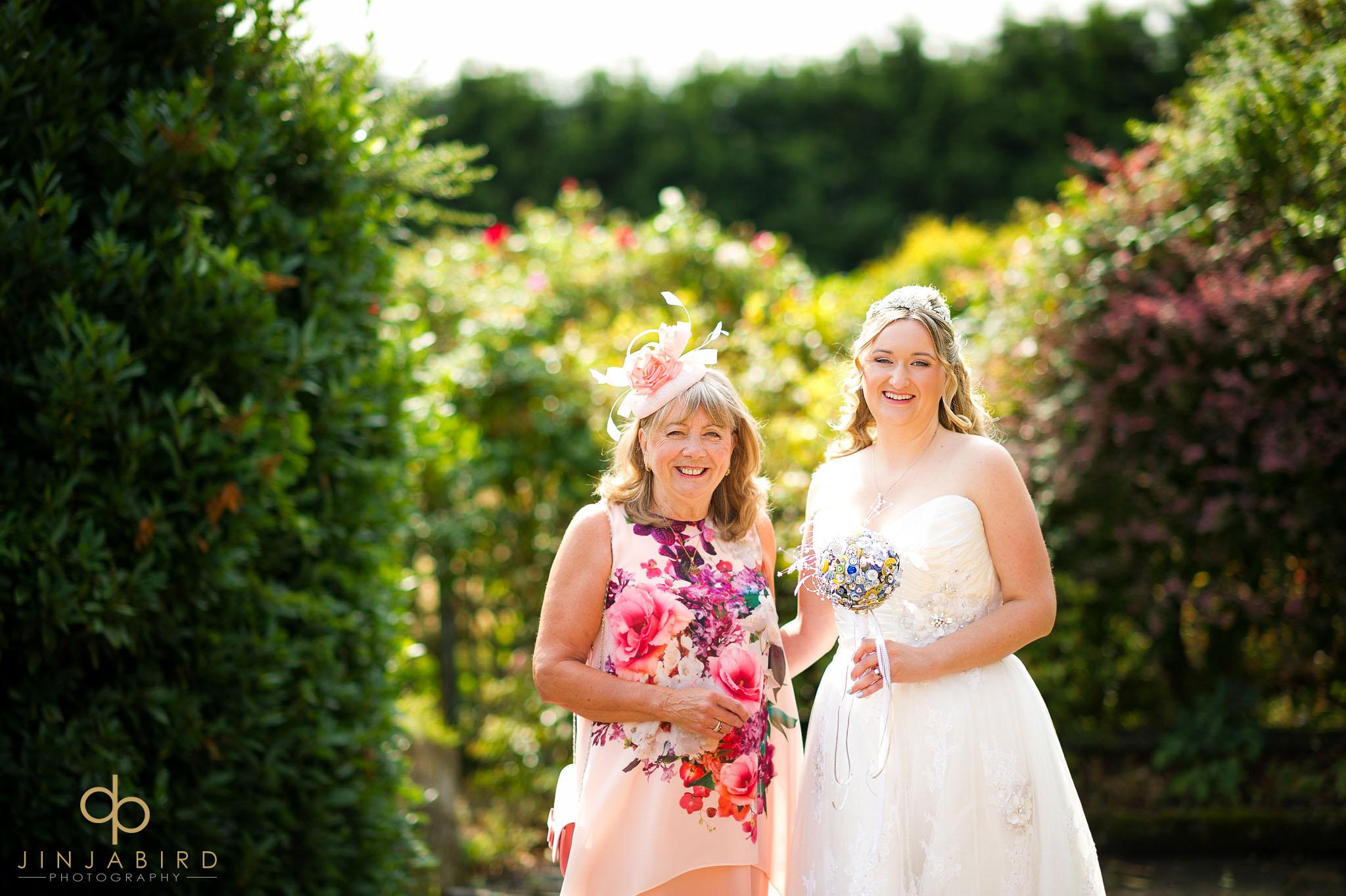 bride-with-mum