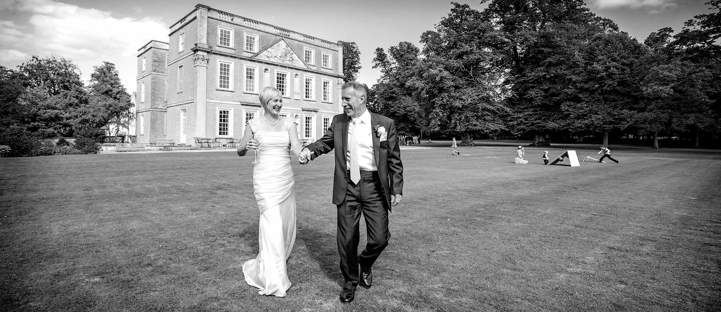 recommended wedding photographer hinwick house