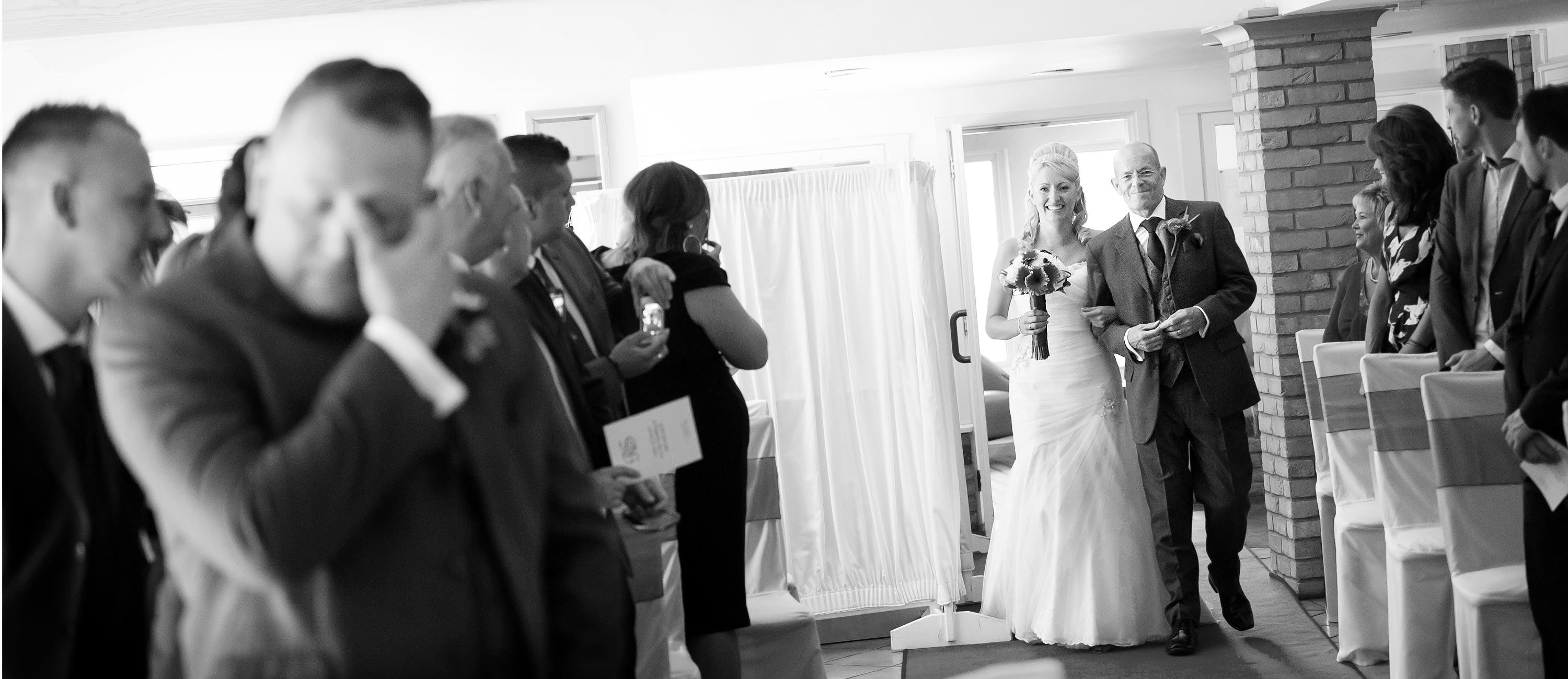 recommended wedding photographer wyboston lakes