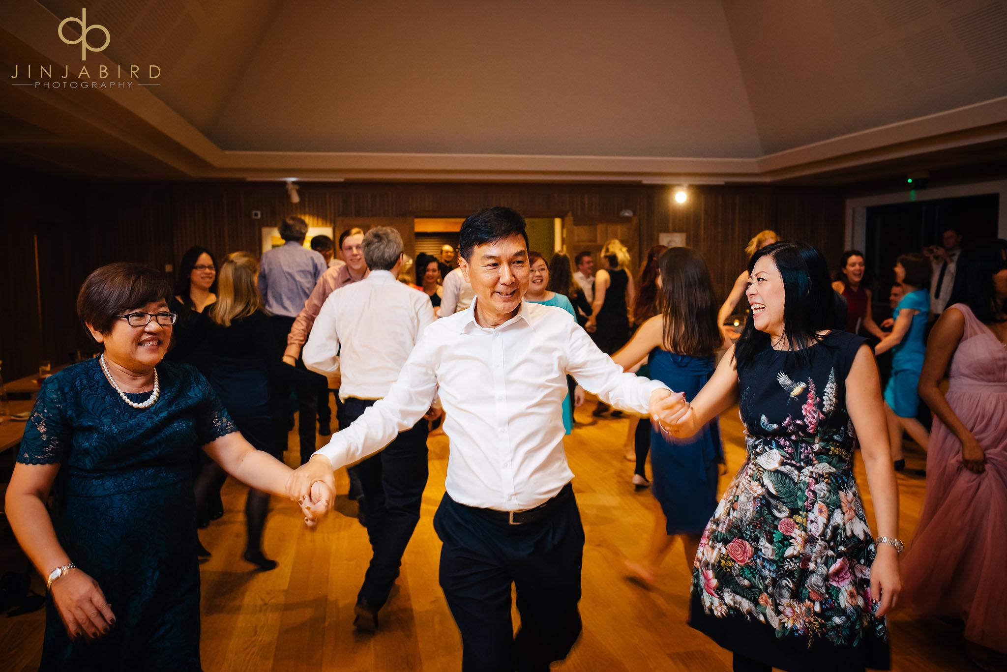 guests-dancing-leckhampton-house