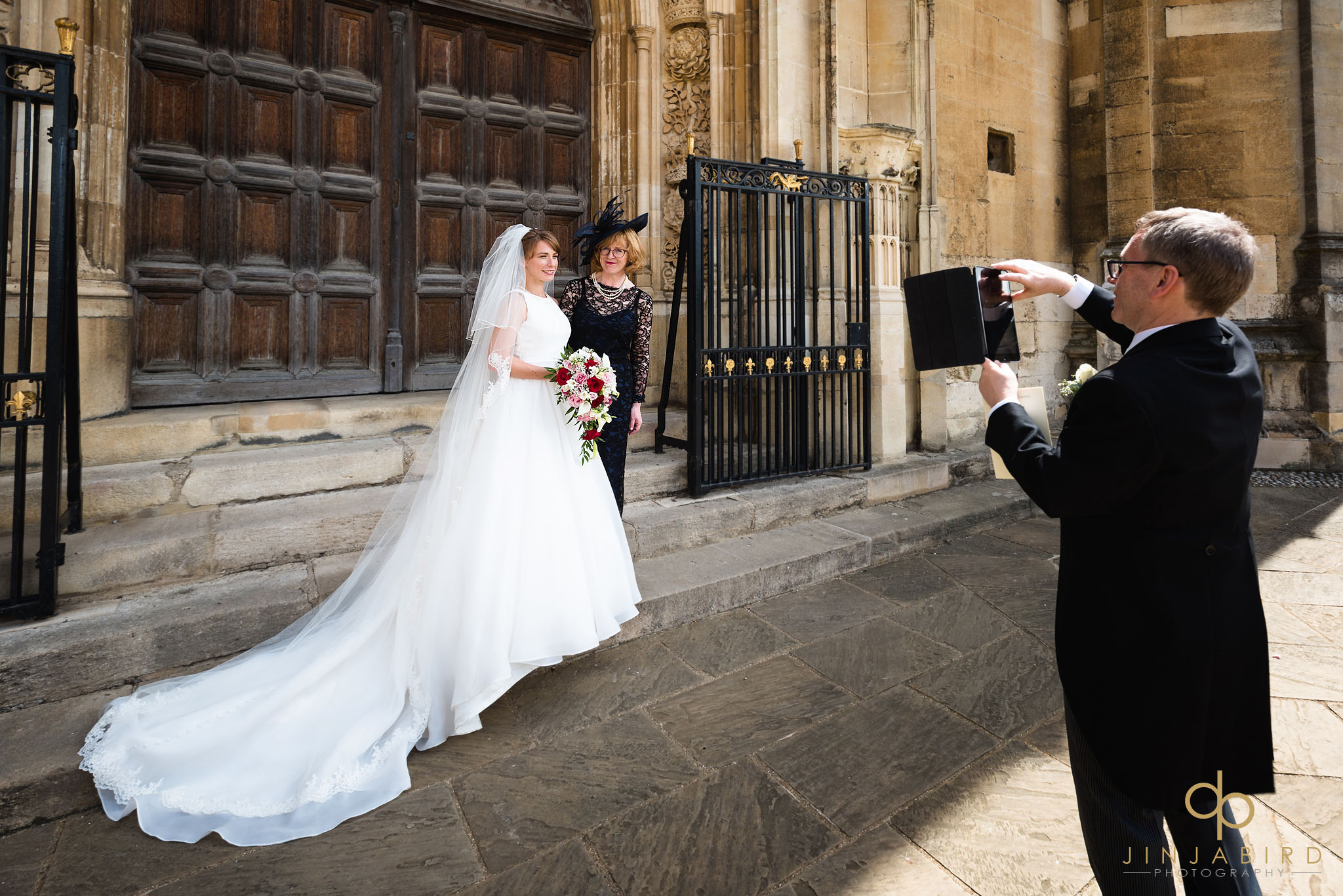 wedding photo kings college cambridge