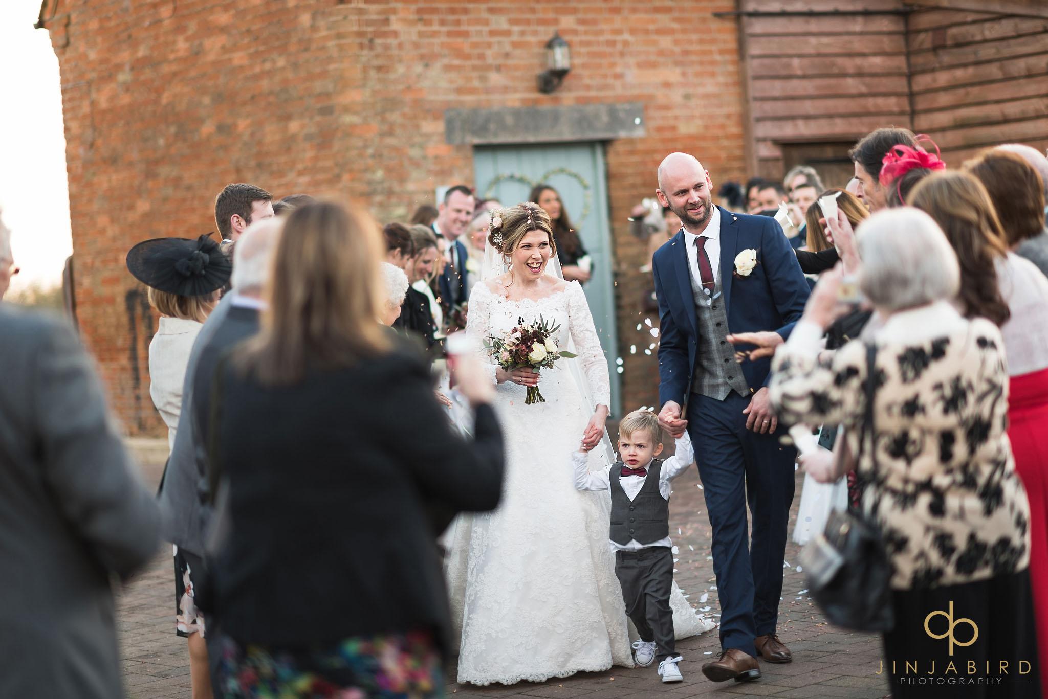 bride and groom wedding confetti