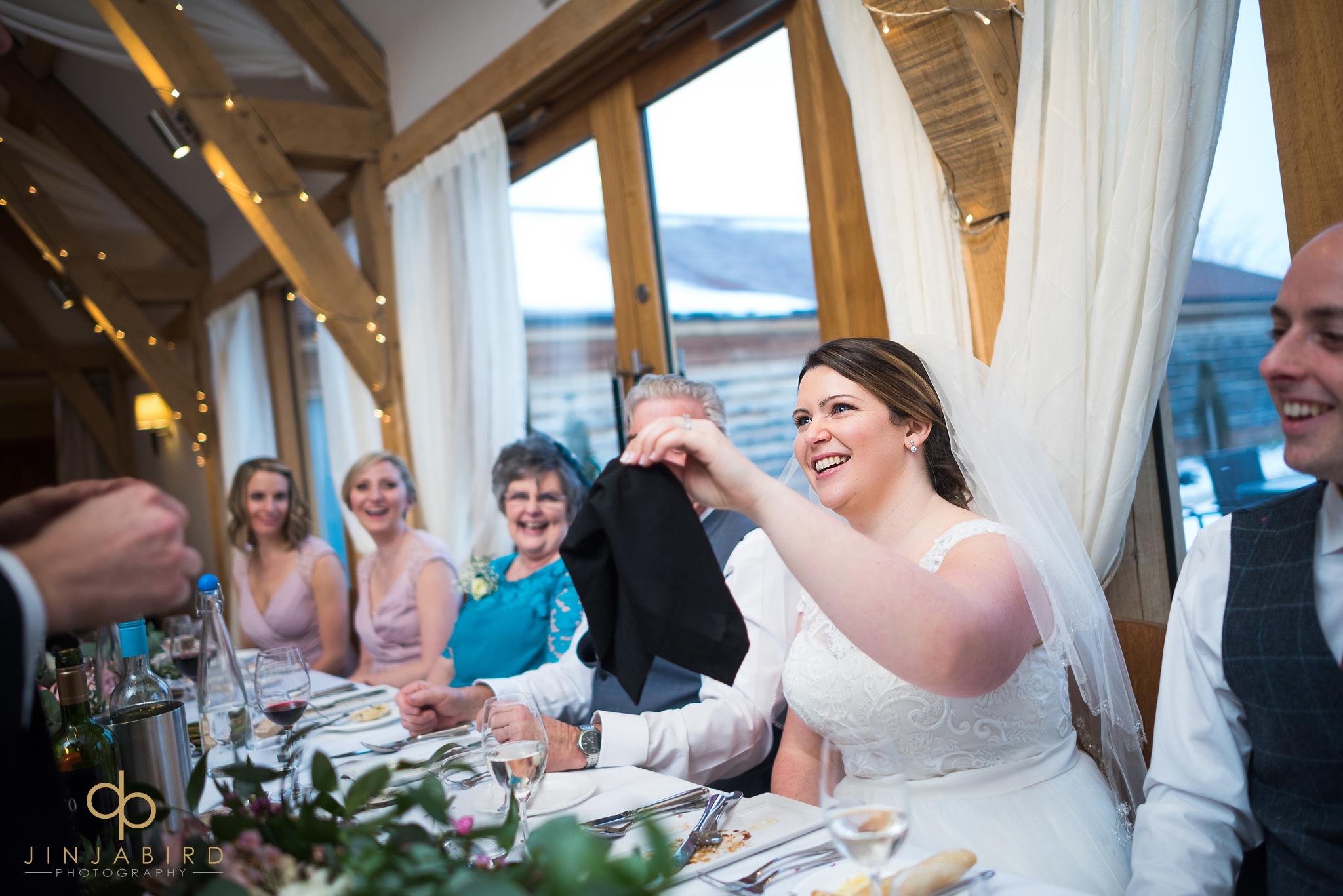 bride-doing-majic